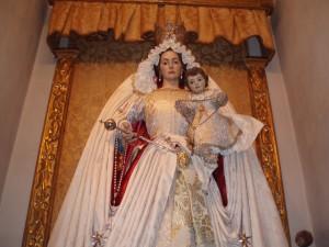 Ntra. Sra. de la Paz, Patrona Provincia Bética Hermanos de San Juan de Dios, con la Venera de la Orden